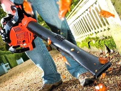 how to use gas leaf blower